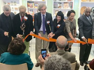 (From left) Wade Rose, Linda Harrison, Alejandro de la Fuente, Lava Thomas, Naomi Kelley, Willie Brown cutting the ribbon at the Museum of the African Diaspora (MoAD).