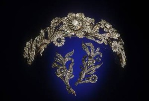 The Post Diamond Tiara with matching brooches made in the mid-19th century will soon be on view in New Mexico.